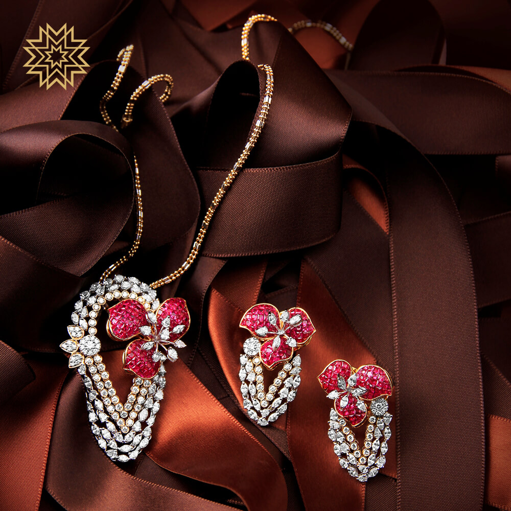 A romance of rubies and diamonds for that special dinner date! 😍