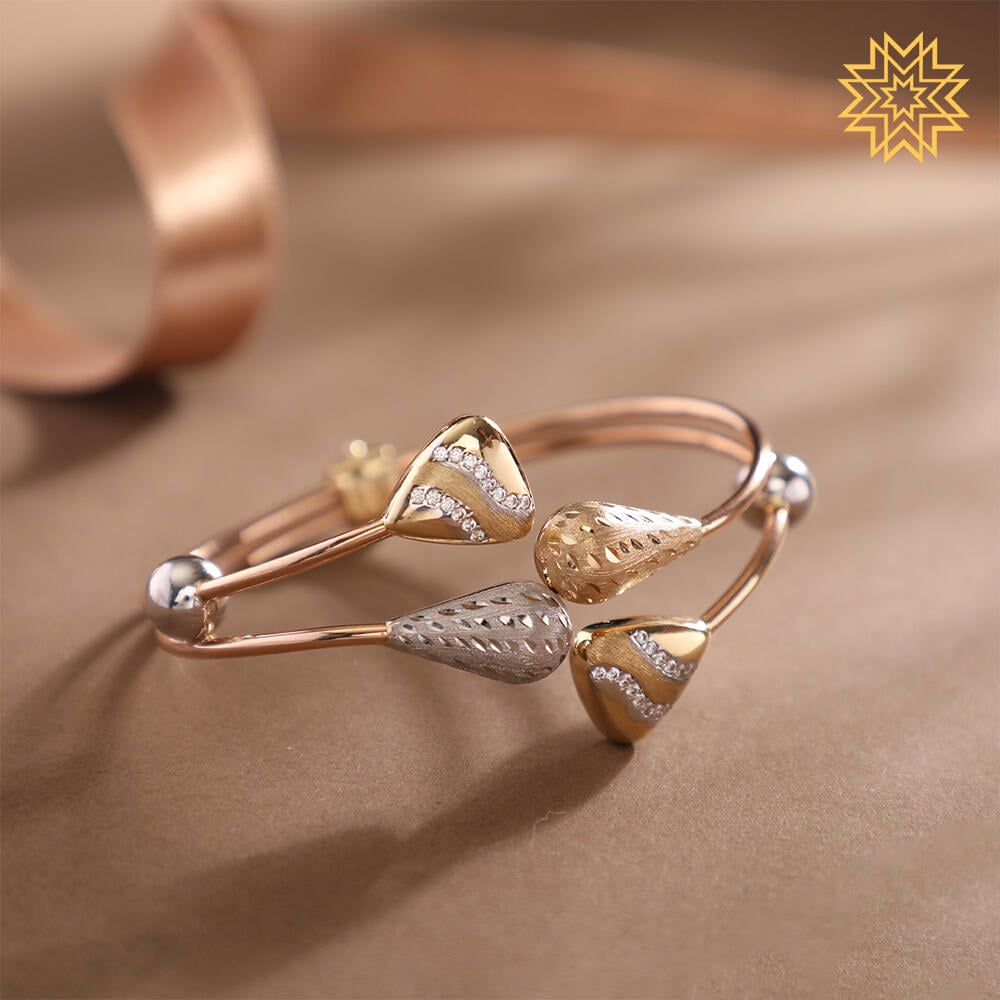 New Year, new generation and new designs. Accessorise your conventional looks with new-age adornments.