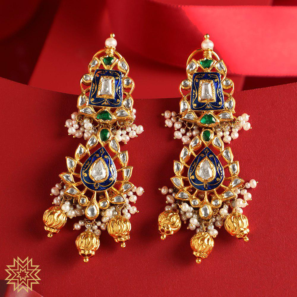 Pair up your choker with a pair of studded jhumkas. Walk in to Bridal Jewelry Exhibition from 9th to 15th August (11 am - 7 pm) and get best ornates for your grand day.