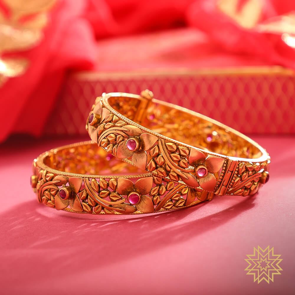 Bangles that add a classic ethnic look to your attire