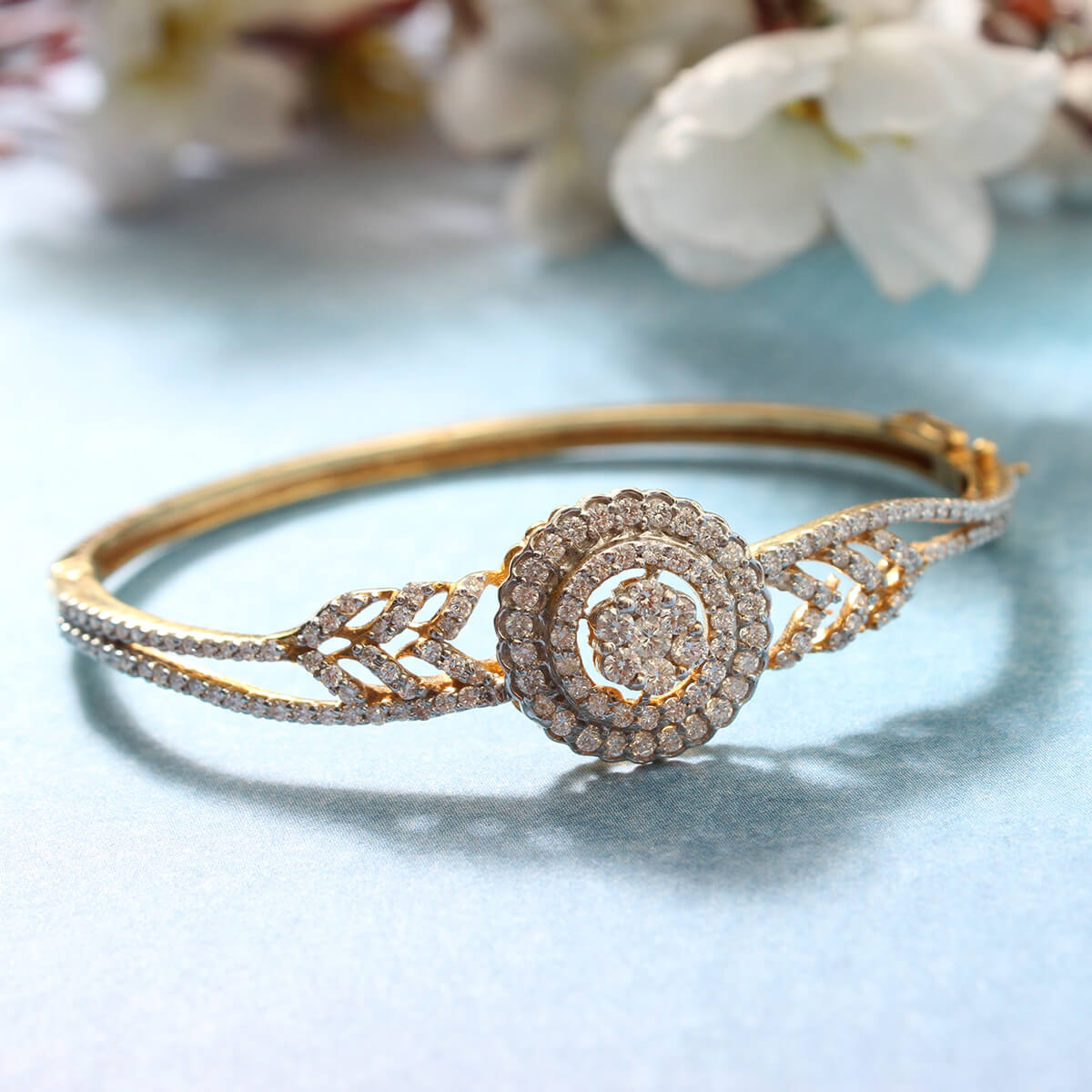 Add the sparkling radiance to your wrists!