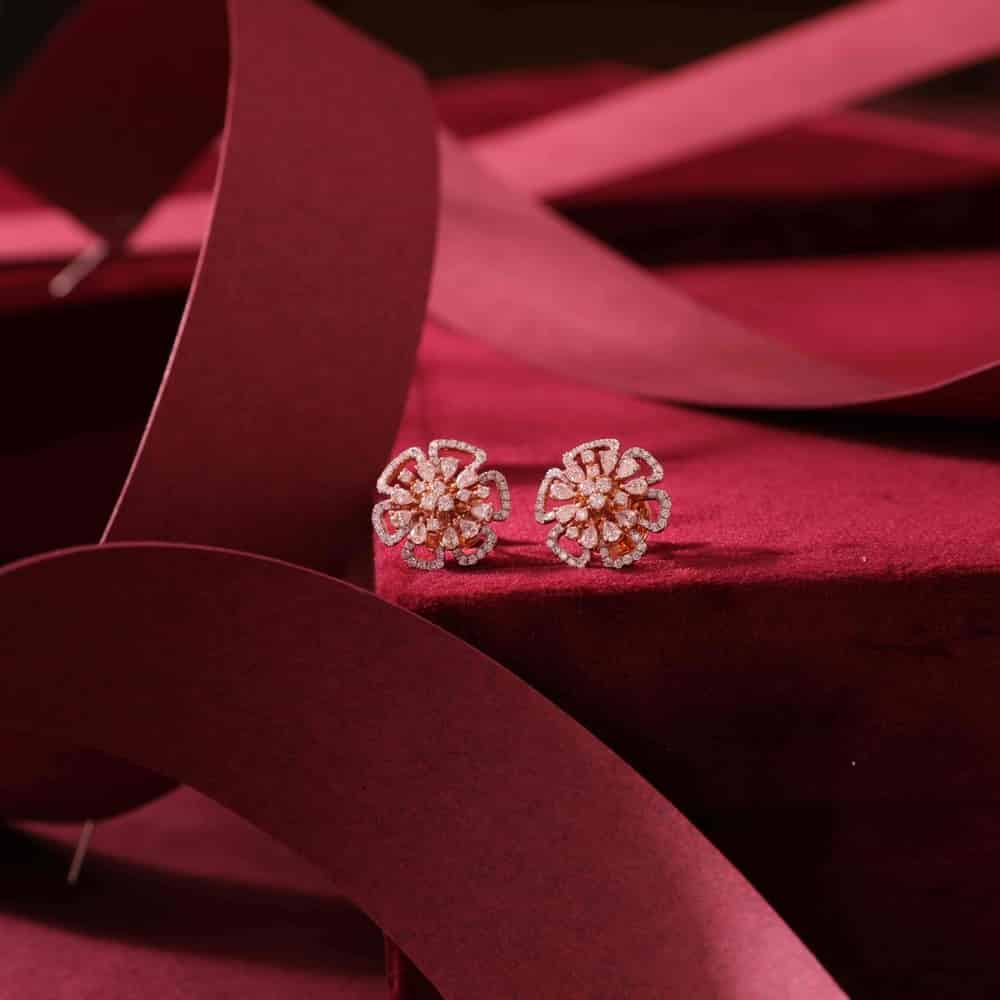 Diamond studs by Manubhai Jewellers