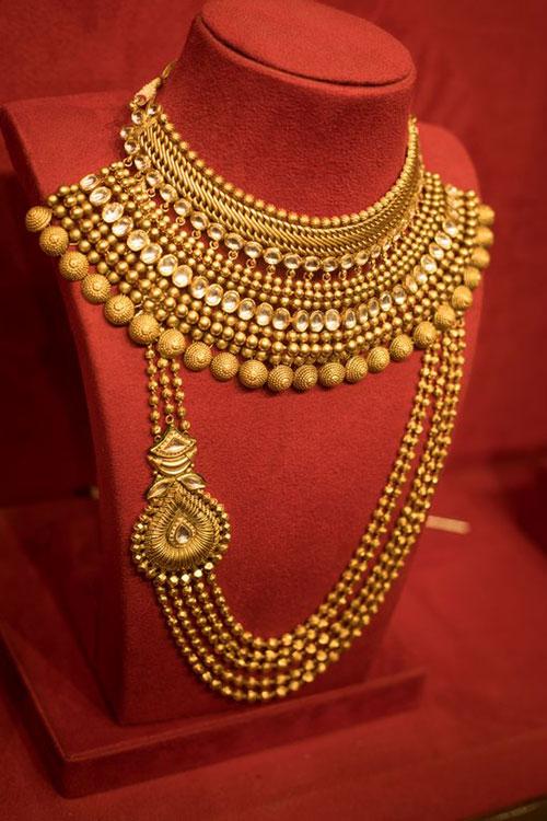 Manubhai Jewellers | Gold & Diamond Jewellers in Borivali, Mumbai